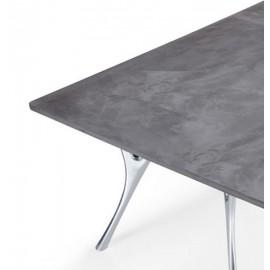Tavolo Pegaso in cemento